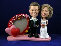 Heart Shaped Picture Frame Bobbleheads