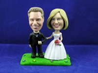 Traditional Couple on Grass Cake Topper Bobbleheads